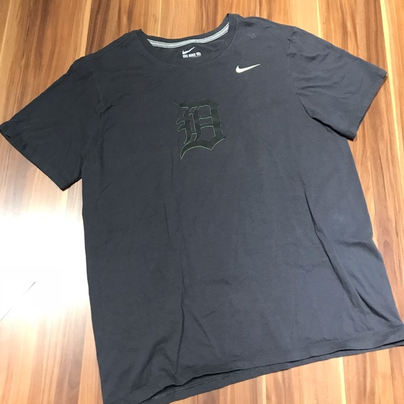 Nike Other - Nike Detroit Tigers Men's T-Shirt Large